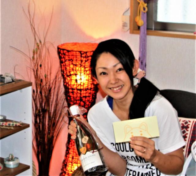 国分寺の整体【 口コミNo.1 】のぶ整体院に宜野座様が来店しお誕生日プレゼント