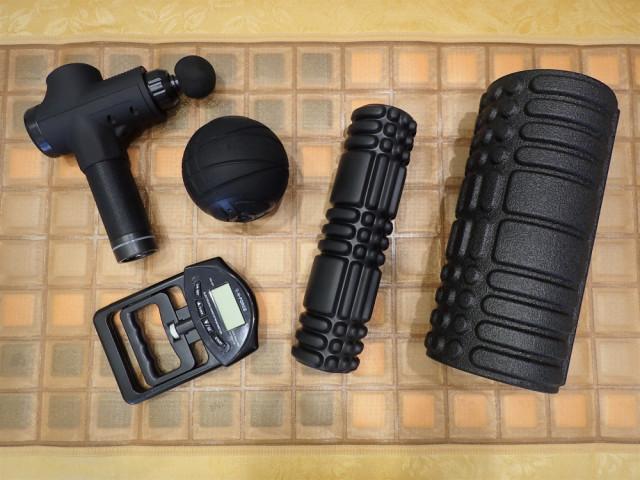 国分寺の整体【 口コミNo.1 】のぶ整体院にて使用するドクターエア3点・多機能マッサージガン・握力計
