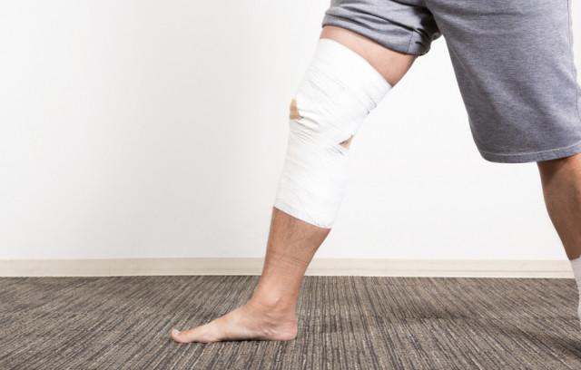 サッカーすると膝が痛いんです!