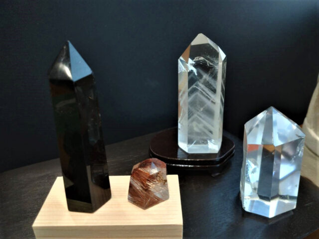 レインボー水晶、ファントム水晶、黒水晶(モリオン)、ルチルクォーツ